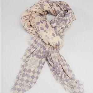 100% authentic Louis Vuitton scarf in damier azur.